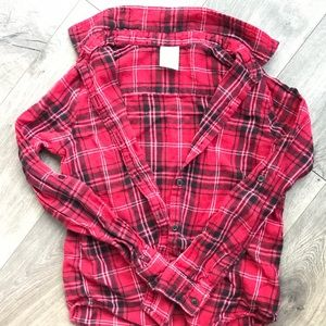 💜3/$10 Black and red Plaid top